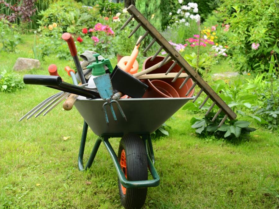 Trucs et astuces pour entretenir son jardin - aufoyer.fr | blog déco